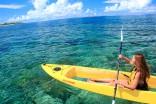 グラスボートの様にクリアな 底面から海中のサンゴやお魚を観察出来るクリアカヤック