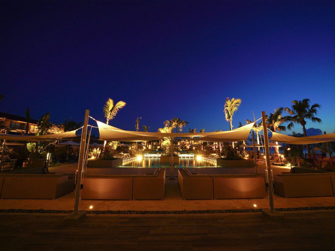 フサキビーチリゾート夜のプール