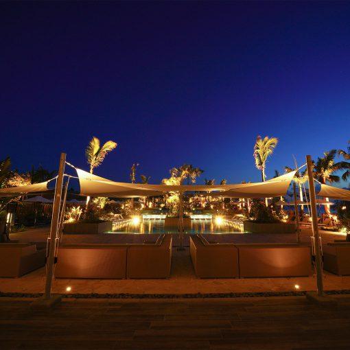 石垣島のナイトプール