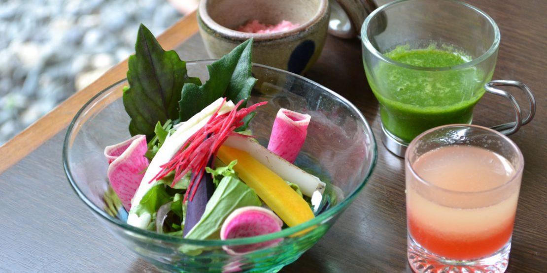 沖縄の新鮮野菜をふんだんに使った野菜を味わえる